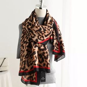 Chic Stylish Tiger Prints Scarf
